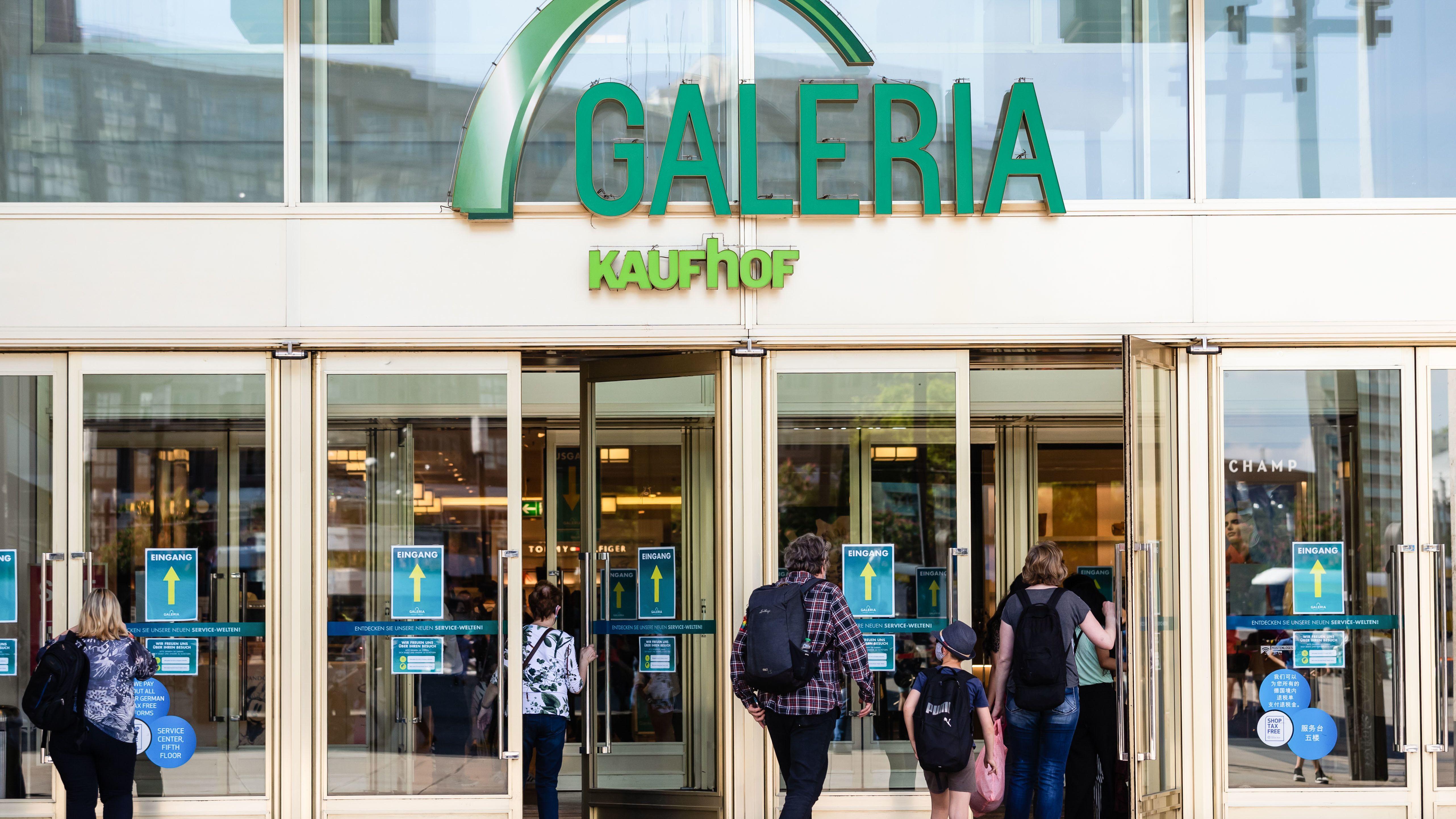 Galeria Karstadt Kaufhof in der Krise: Der Warenhauskette drohen durch die Corona-Krise Umsatzeinbußen in Milliardenhöhe.