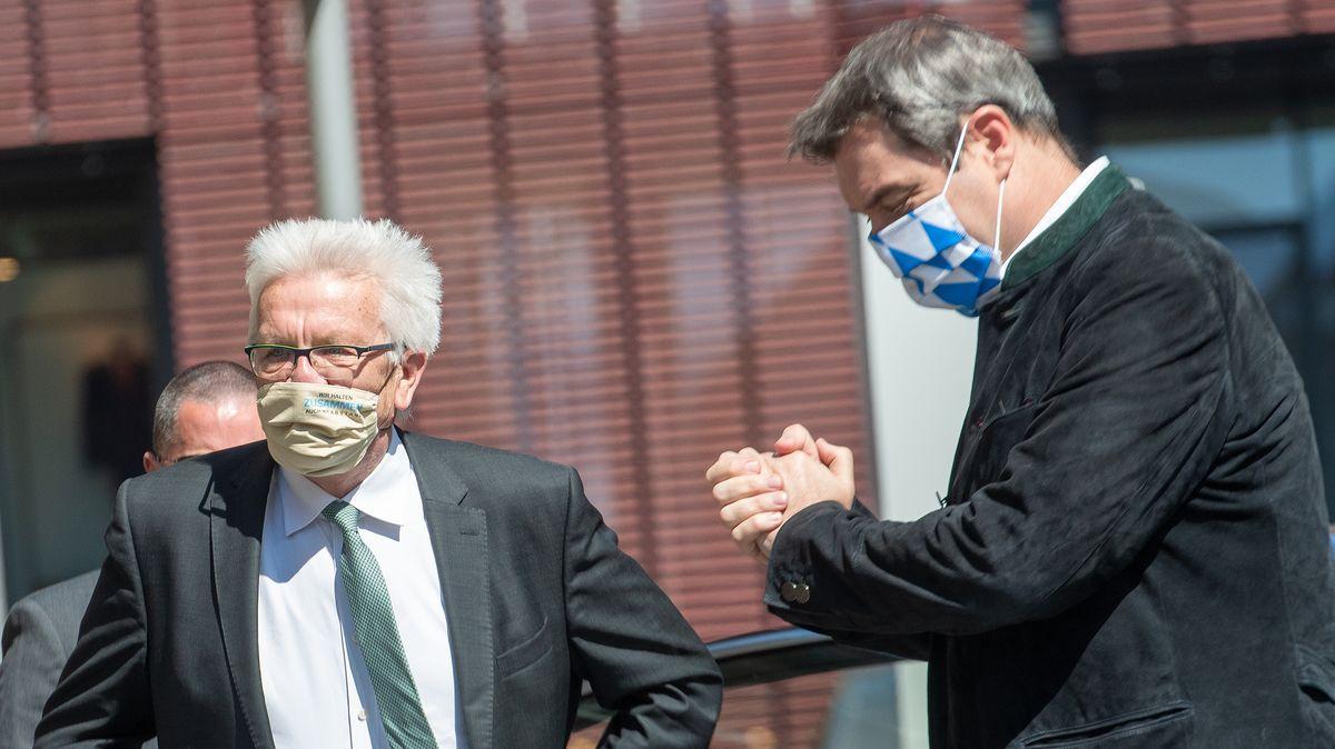 Archivbild (April 2020): Winfried Kretschmann und Markus Söder bei einem Treffen in Ulm.