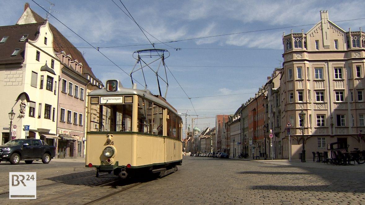 Fahrschule auf der historischen Straßenbahn in Augsburg