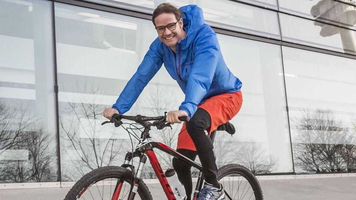 Prof. Martin Halle auf seinem Trainingsbike