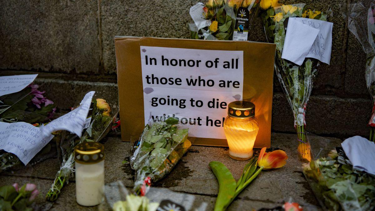 Gedenken an Corona-Opfer vor dem Parlament in Stockholm