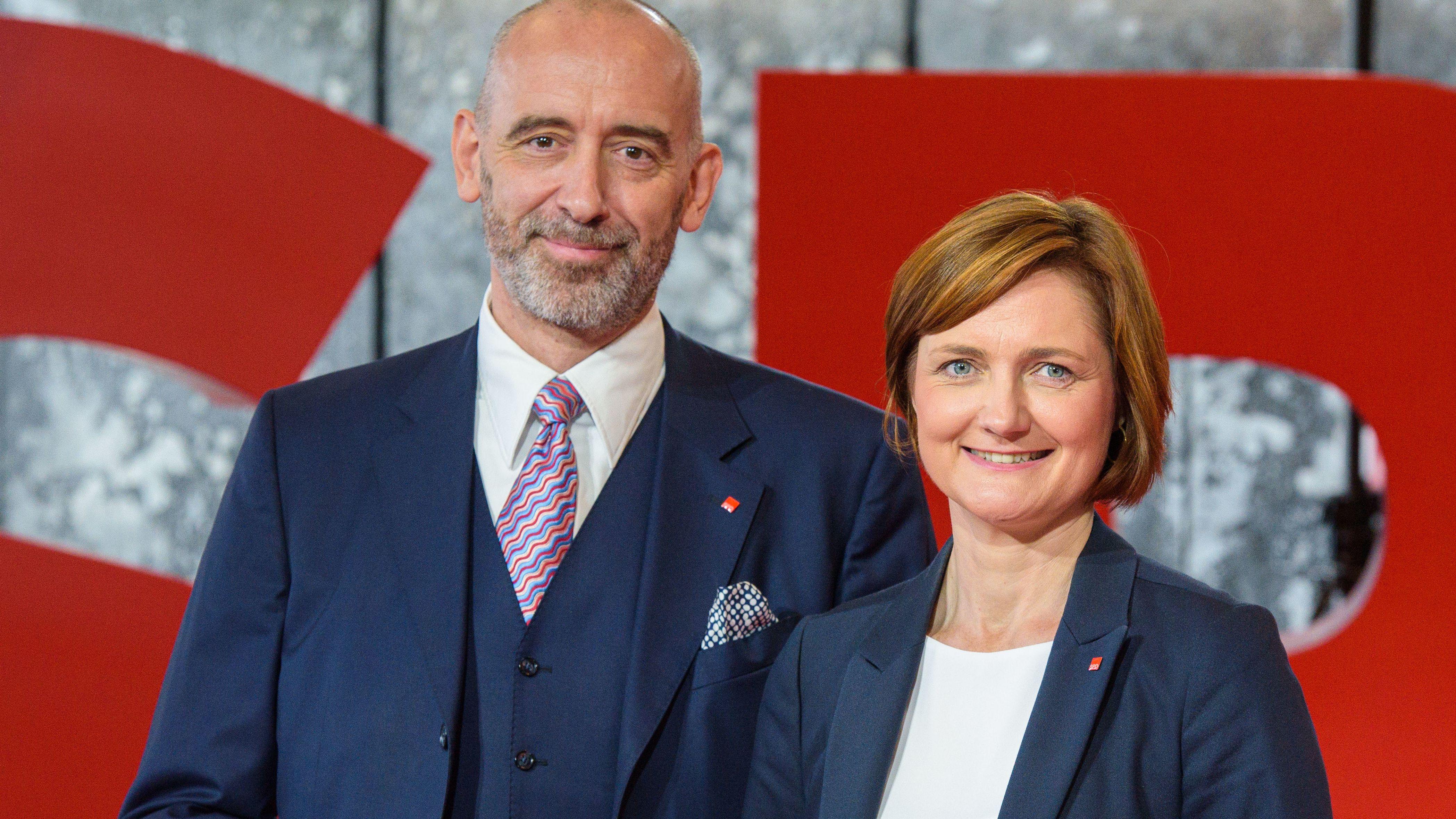 Die Kandidaten für den SPD-Vorsitz Alexander Ahrens (SPD), Oberbürgermeister von Bautzen, und Simone Lange (SPD), Oberbürgermeisterin von Flensburg