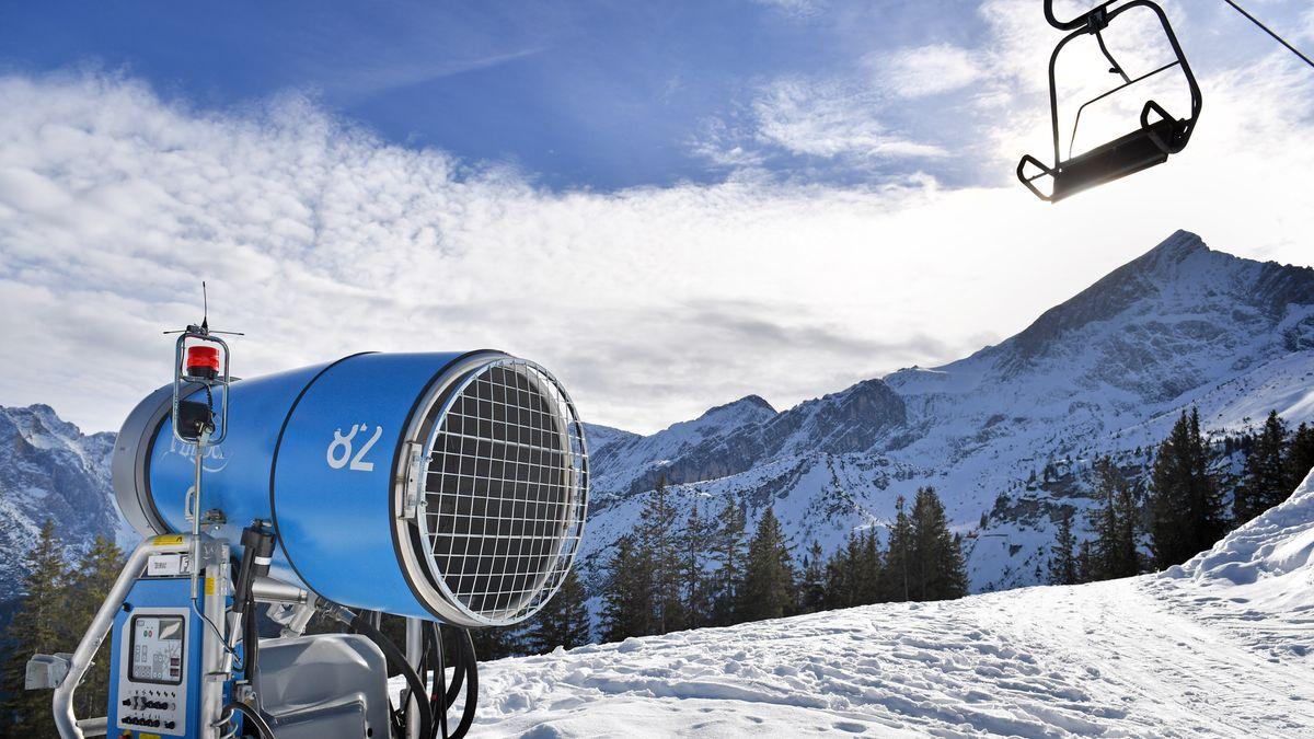 Stillstehender Lift im Skigebiet Garmisch Classic