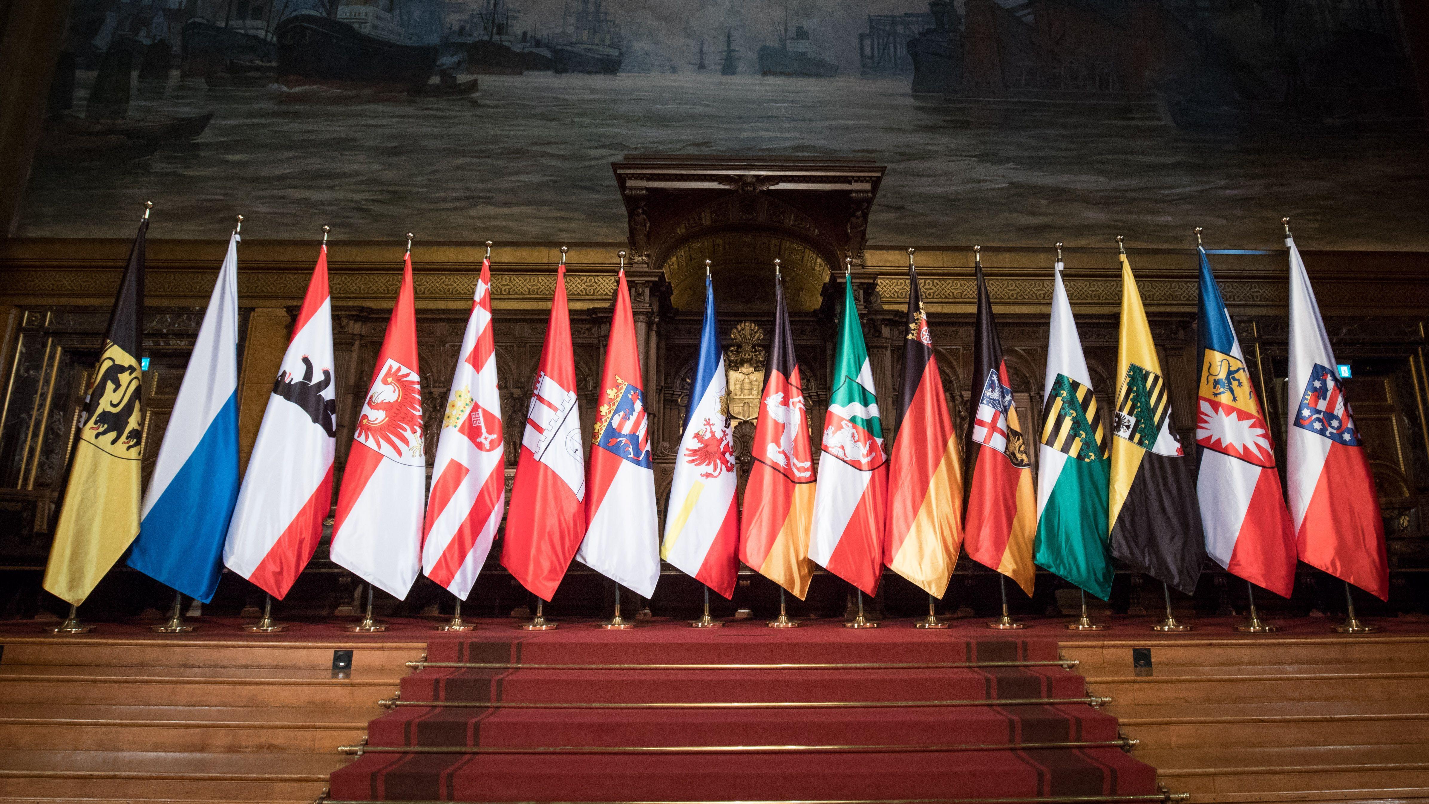 Flaggen der 16 Bundesländer