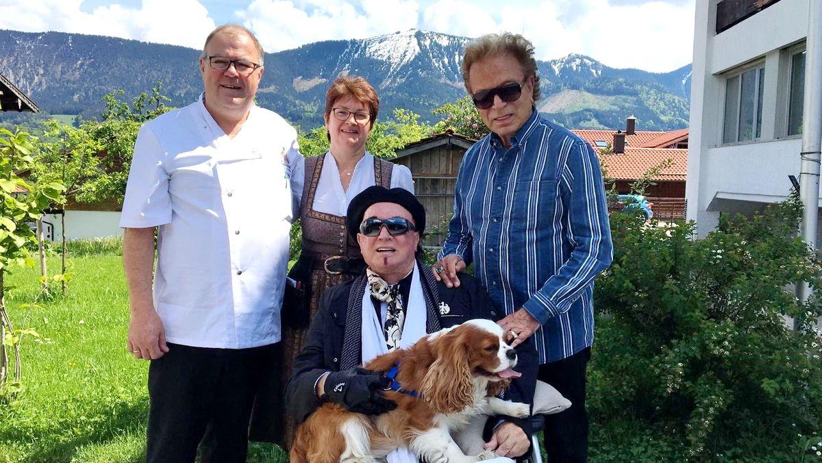 Besuch bei der Familie von Entenwirt Peter Schrödl in Törwang im Jahr 2019.