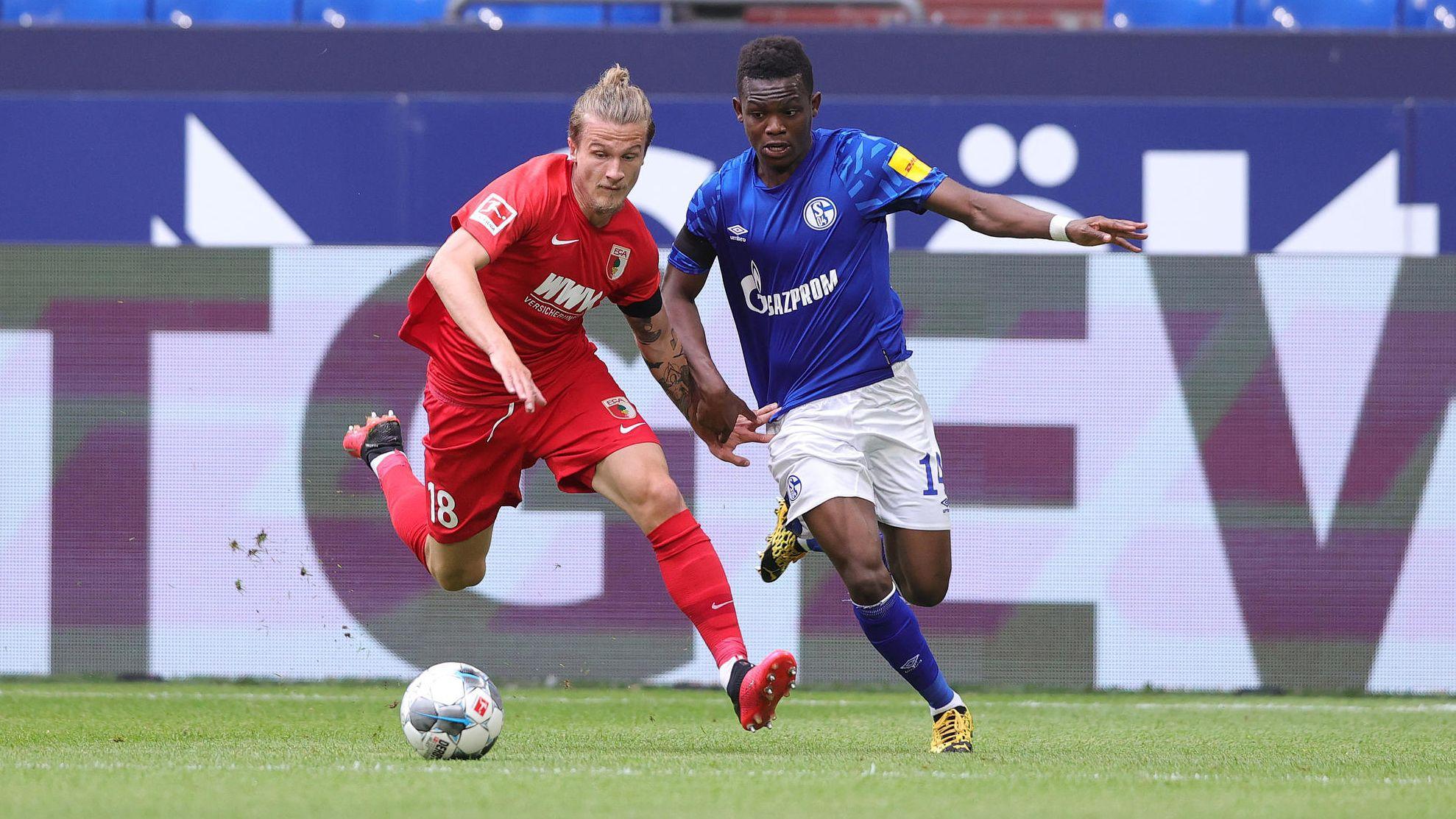 Spielszene FC Schalke 04 - FC Augsburg