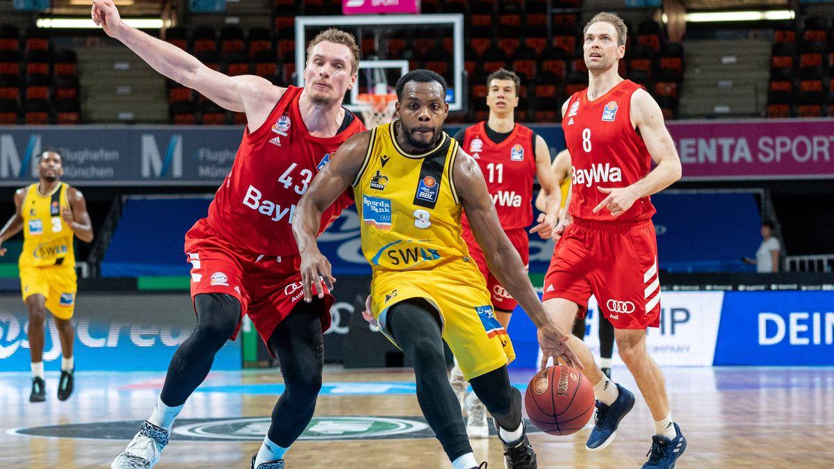Spielszene FC Bayern Basketball - MHP Riesen Ludwigsburg