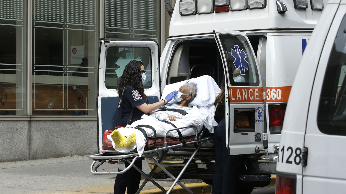 Patient wird ins Mount Sinai Krankenhaus in New York City eingeliefert.