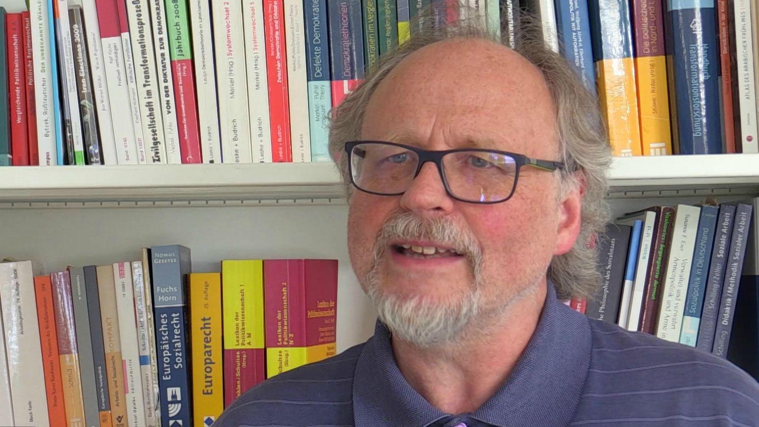 Heiner Bielefeldt, Professor an der Universität Erlangen-Nürnberg, findet eine Studie zu Racial Profiling bei der Polizei sehr wichtig.