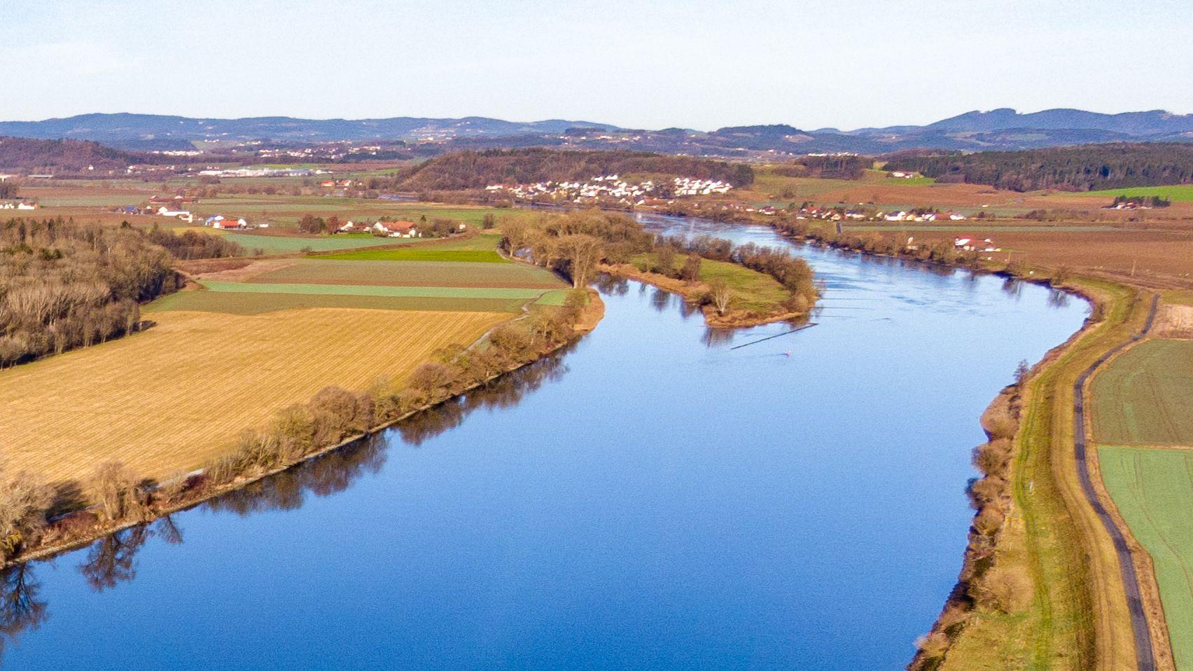 Die niederbayerische Donau im Kreis Straubing-Bogen