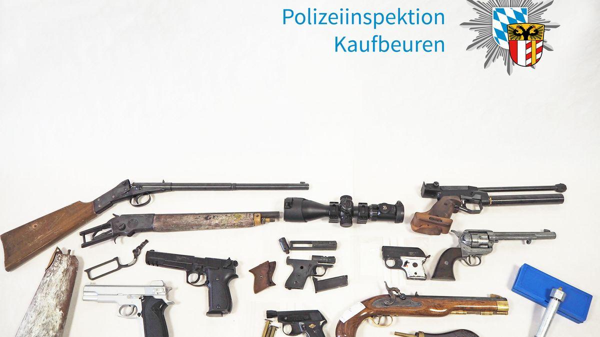 Verschiedenen Waffen und Waffenteile