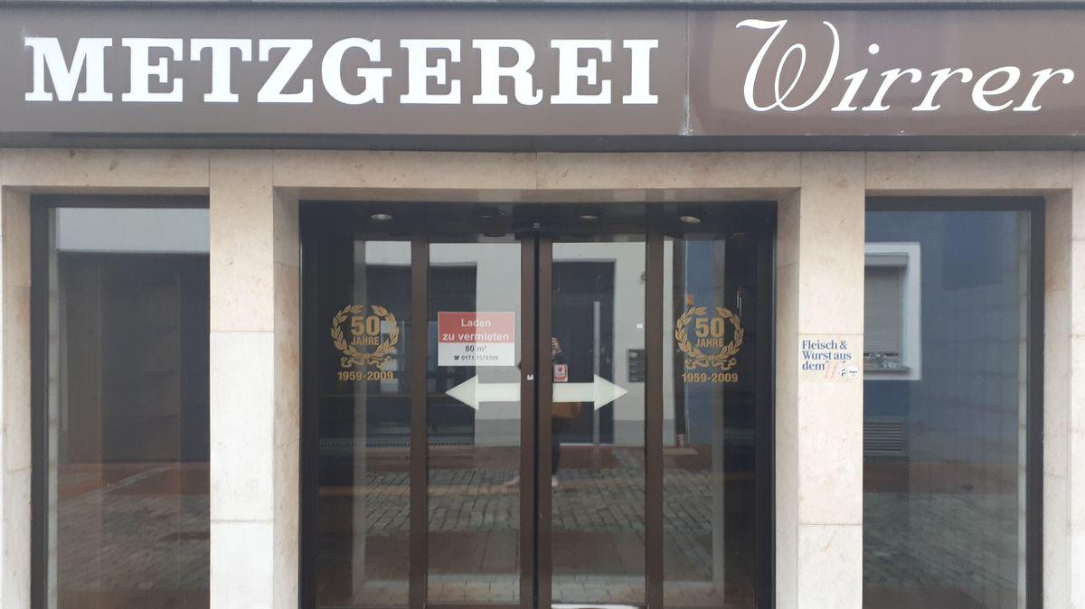 Die geschlossene Filiale der Metzgerei Wirrer in Deggendorf