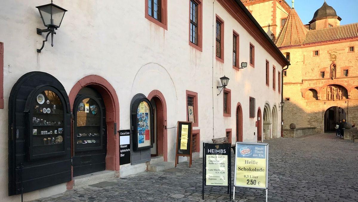 Außenansicht des Souvenirladens auf der Würzburger Festung Marienberg