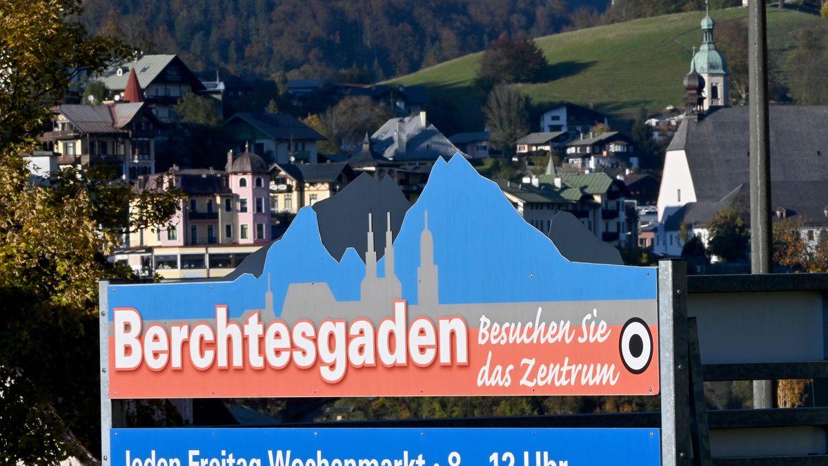 Schild mit der Aufschrift Berchtesgaden