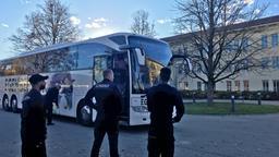 Ankunft der ersten 50 Asylbewerber in der neuen Außenstelle des Donauwörther Ankerzentrums in Augsburg-Kriegshaber | Bild:BR/Johannes Hofelich