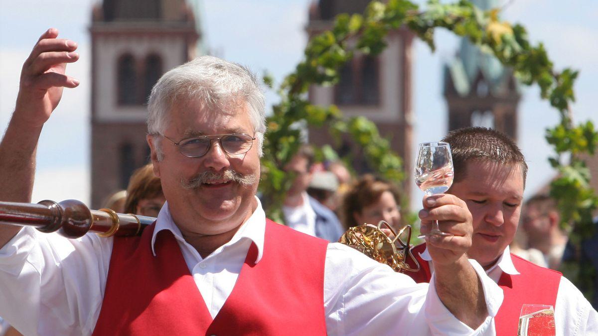 Teilnehmer des Kiliani-Festumzuges in Würzburg