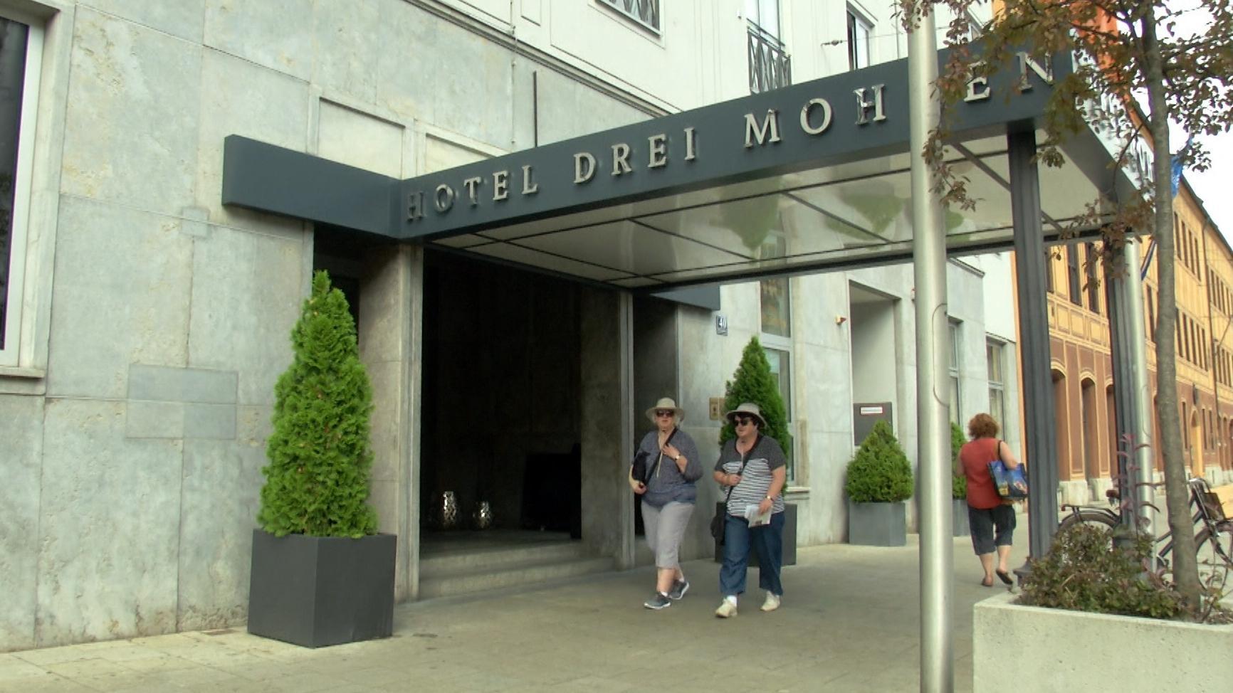 Eingang Hotel Drei Mohren in Augsburg