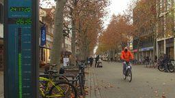 Radfahrer in der Erlanger Innenstadt   Bild:BR