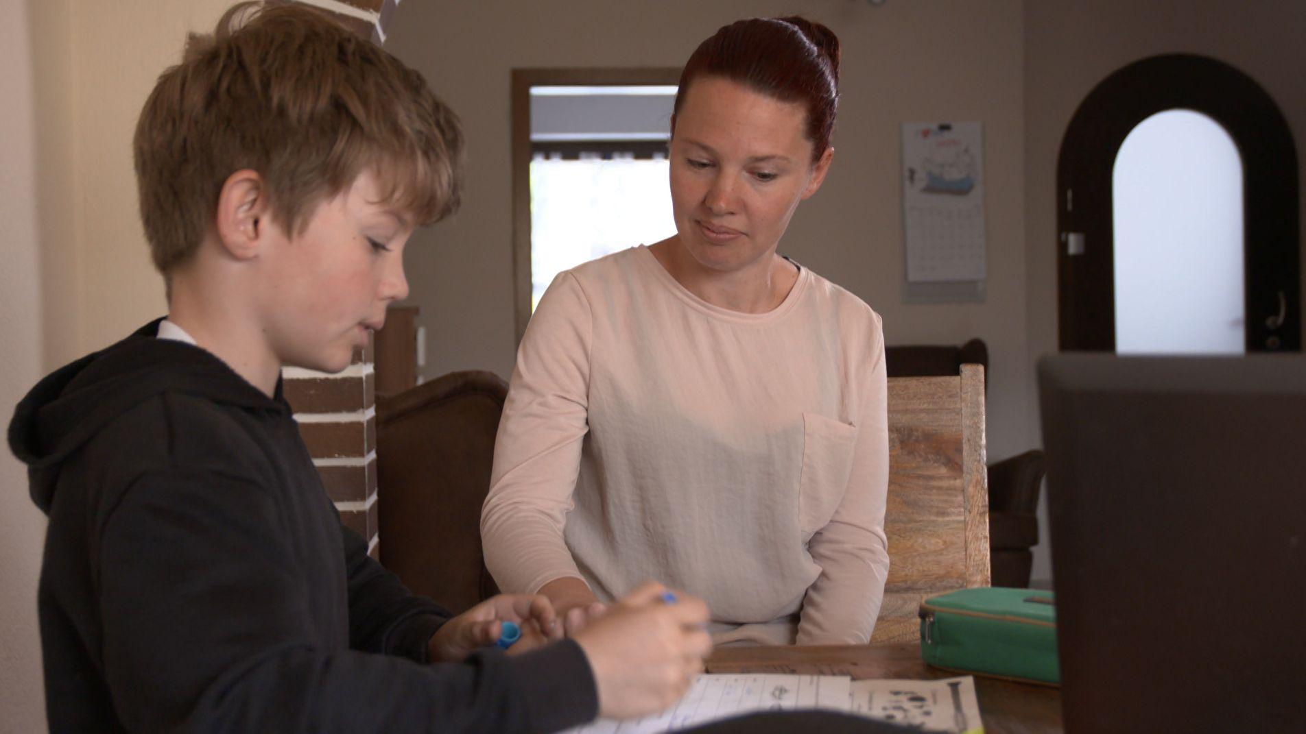 Wie man Kindern mit Legasthenie helfen kann