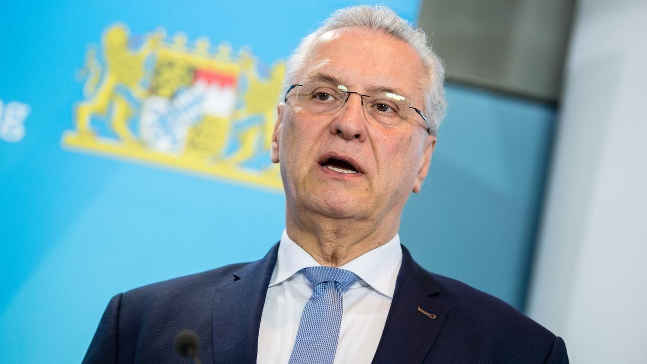 Coronavirus - Pressekonferenz zu Infektionen in Bayern mit Joachim Herrmann