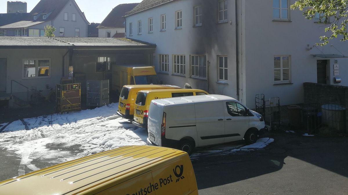 Zerstörte Postfahrzeuge in Hammelburg