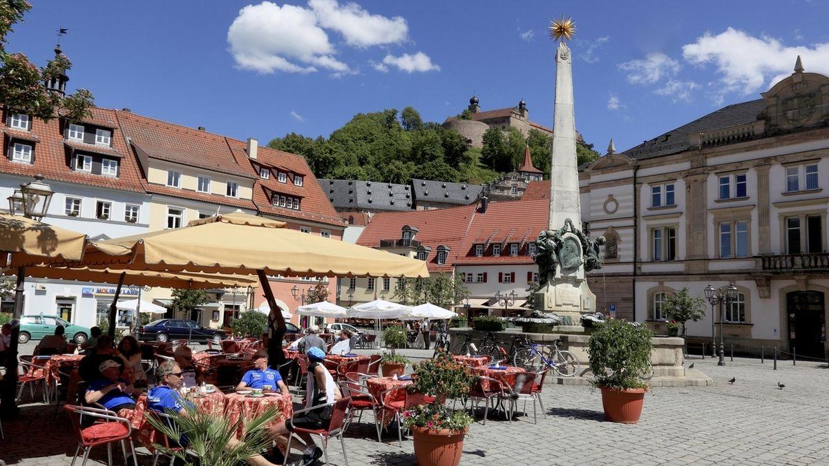 Der Marktplatz von Kulmbach in Zeiten vor der Corona-Pandemie.