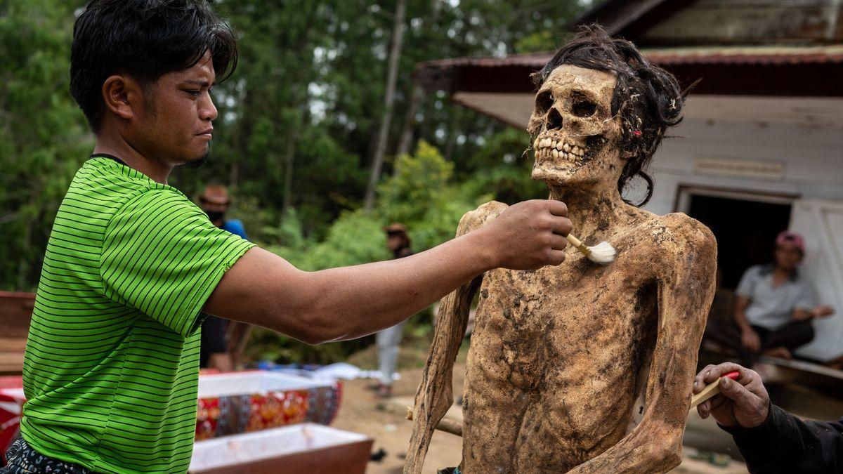 Auf der Insel Sulawesi wird Ma'nene gefeiert