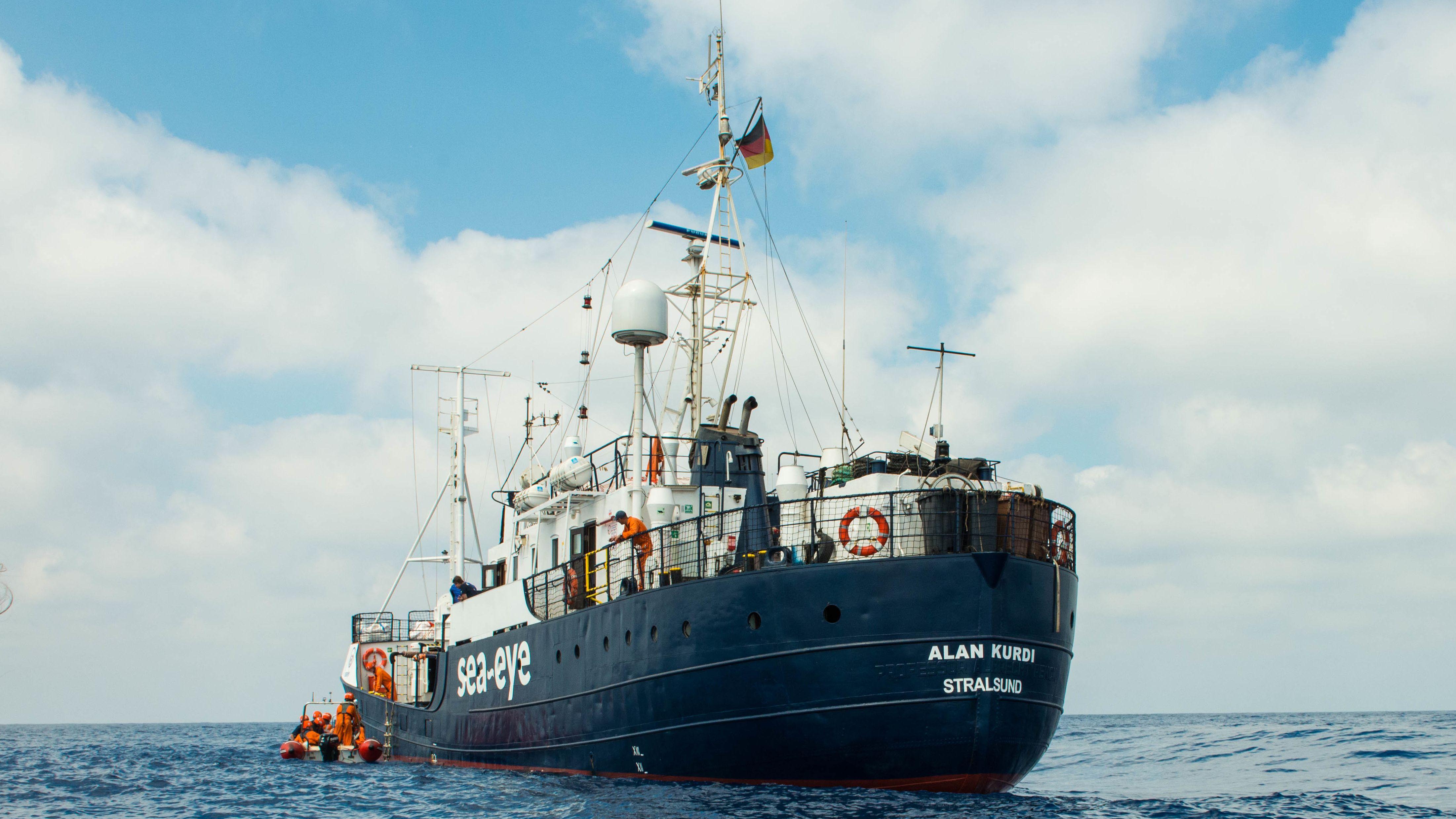 """Das Rettungsschiff """"Alan Kurdi"""" auf dem Meer"""