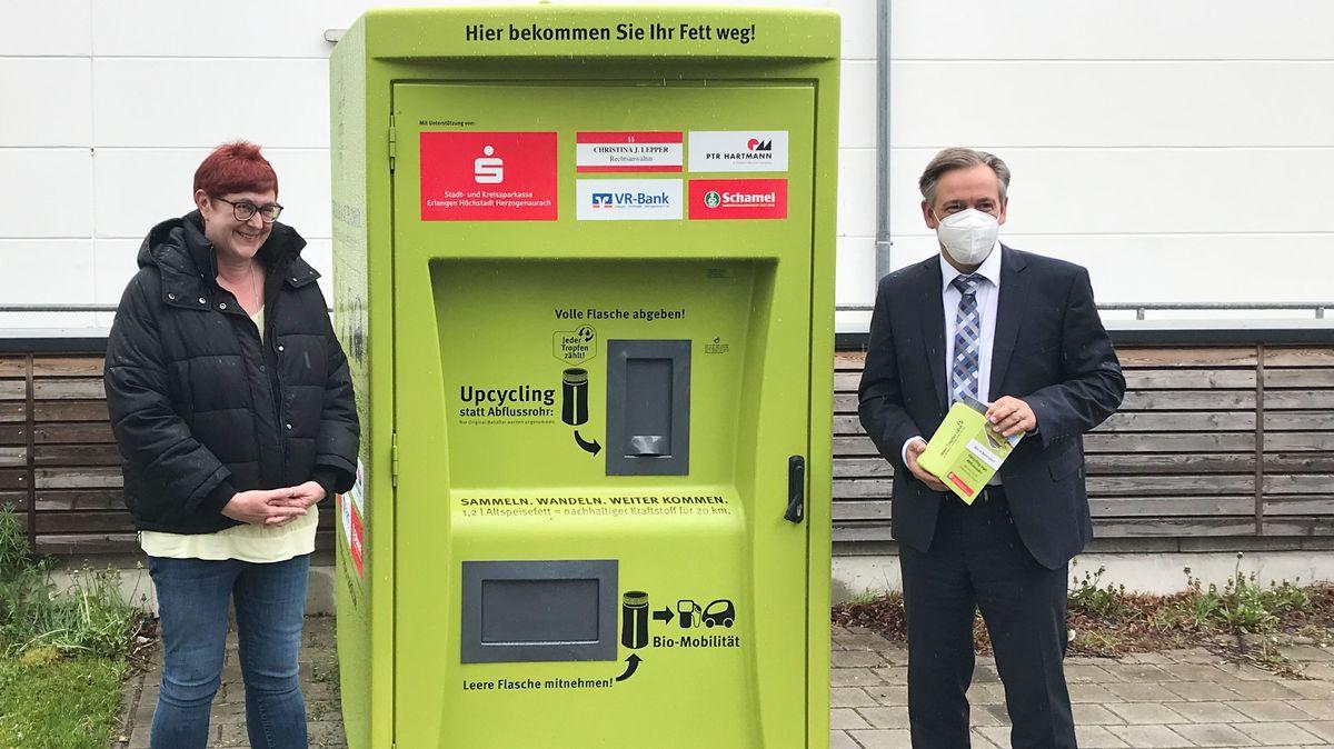 Bürgermeisterin Eva Ehrhardt-Odörfer (links, SPD) und Landrat Alexander Tritthart (CSU).