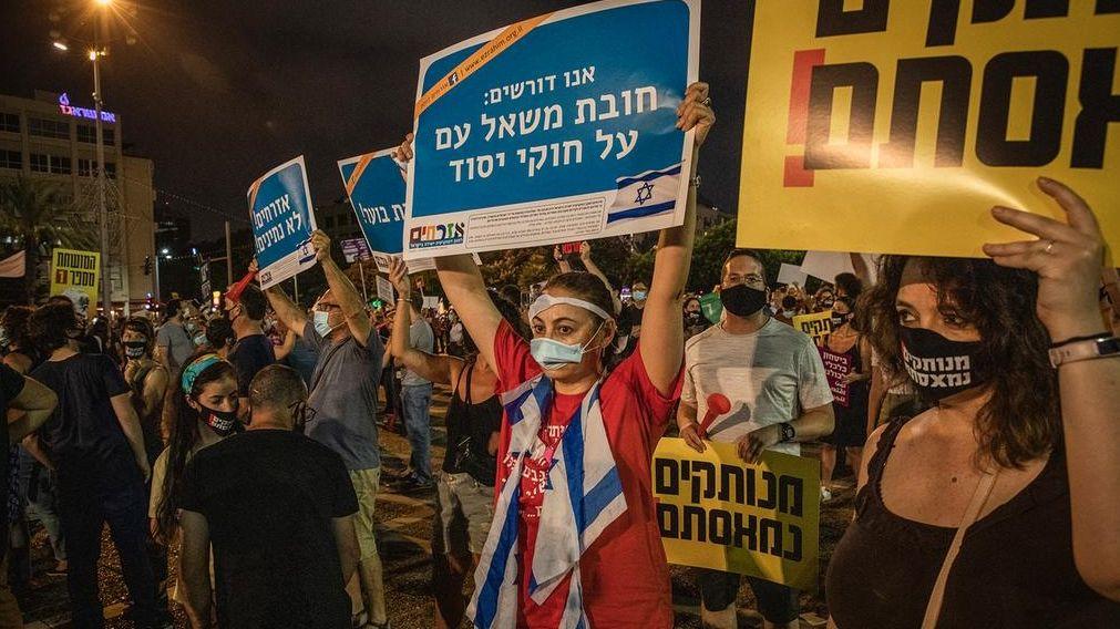 Demonstrationen gegen die Corona-Politik der Regierung in Tel Aviv.