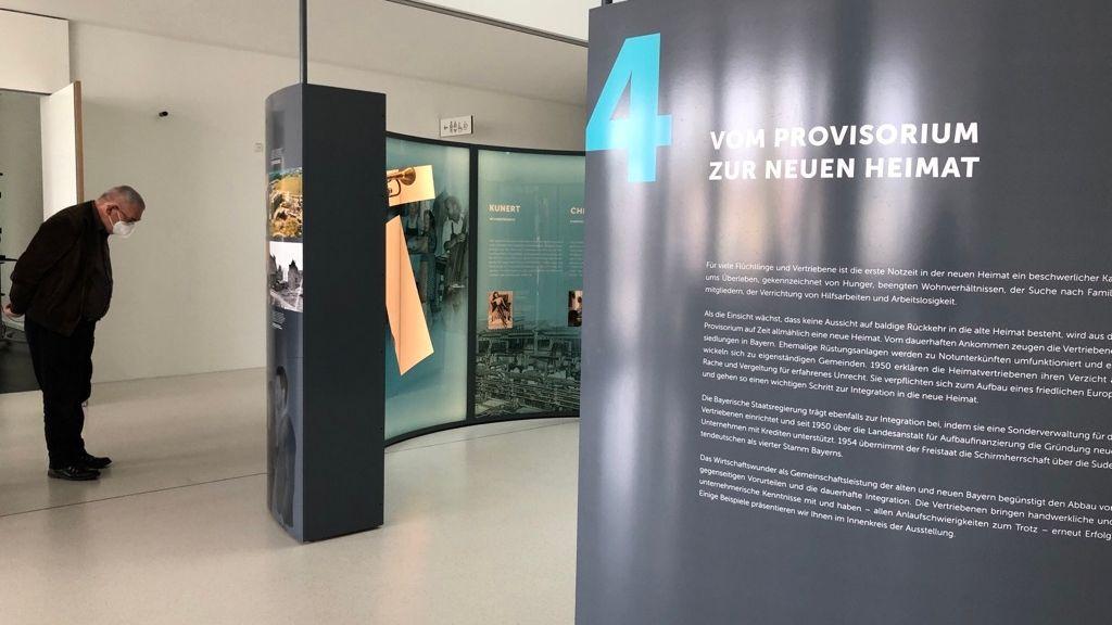 """Im Haus der Bayerischen Geschichte in Regensburg ist die neue Ausstellung """"Neuanfänge – Heimatvertriebene in Bayern"""" zu sehen."""