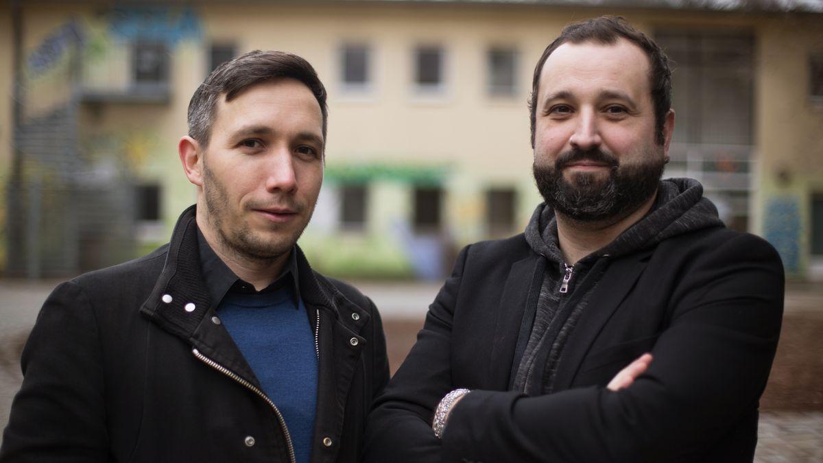 Doppelporträt der Autoren Maik Fielitz (links) und Holger Marcks (rechts)