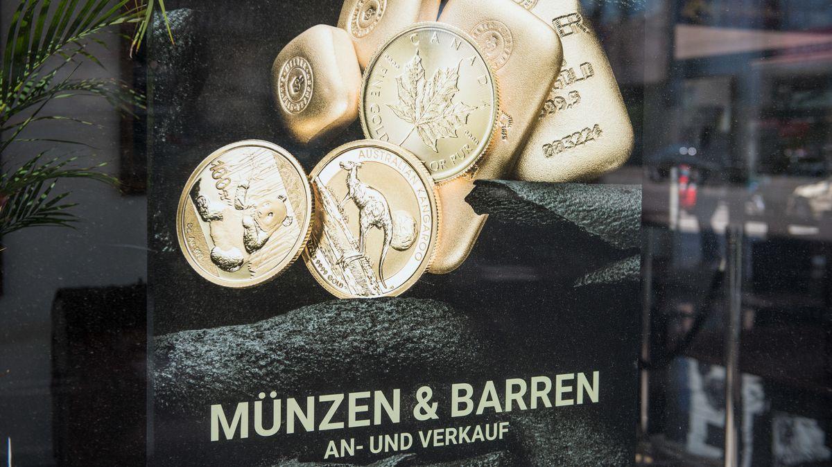 Schaufensterwerbung für An- und Verkauf von Gold