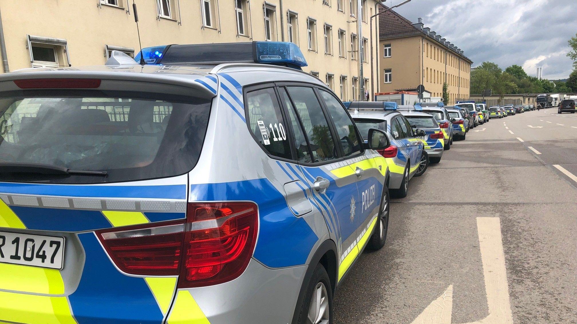 Zahlreiche Polizeikräfte waren am Ankerzentrum im Einsatz