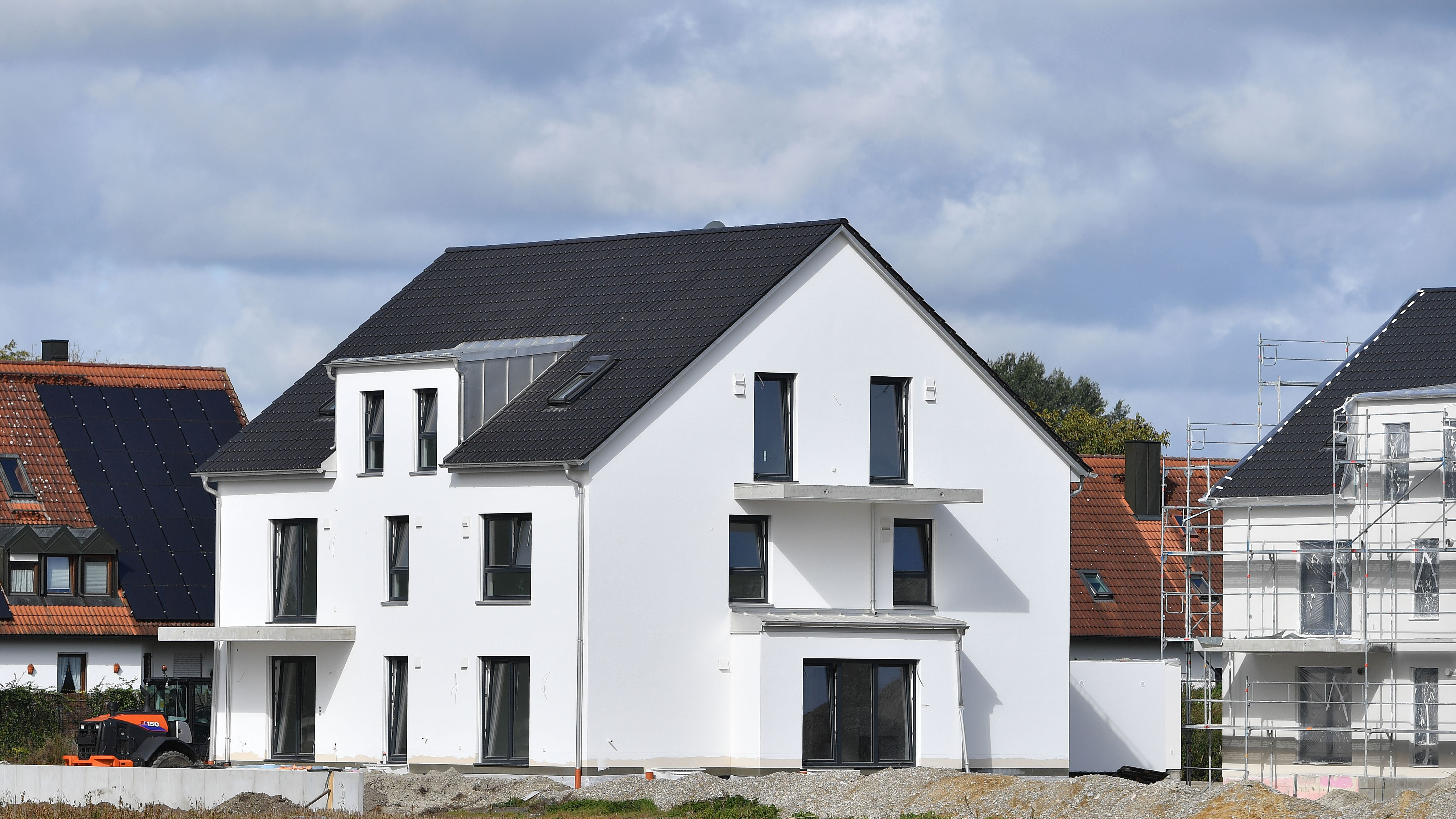 Haus in einer neuen Wohnsiedlung