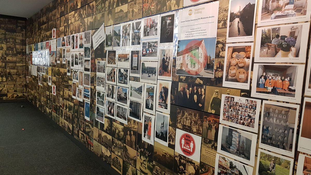 Blick ins Foyer des Erdinger Museums mit der Fotowand