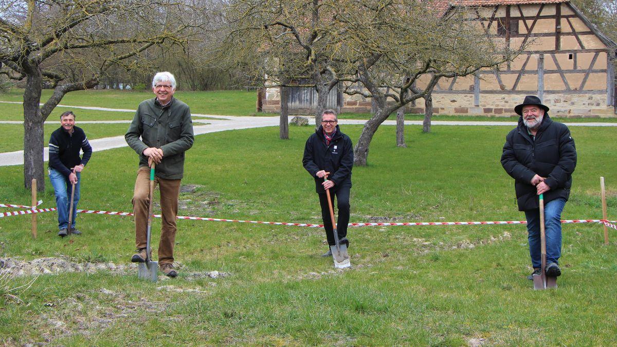 Spatenstich für den Wiederaufbau der Synagoge aus Allersheim