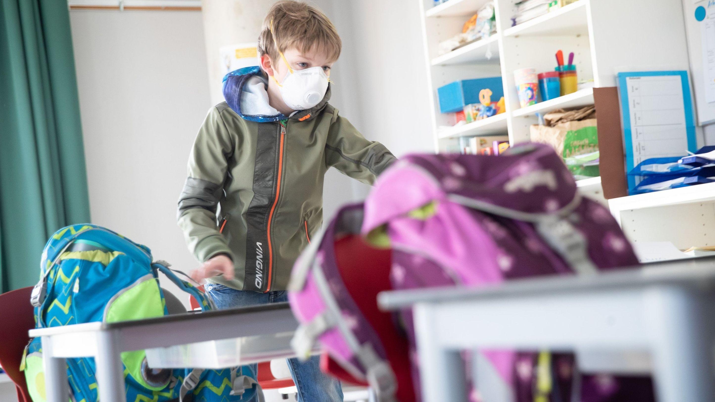 Vierklässler in Hamburg gehen seit Montag wieder in die Schule