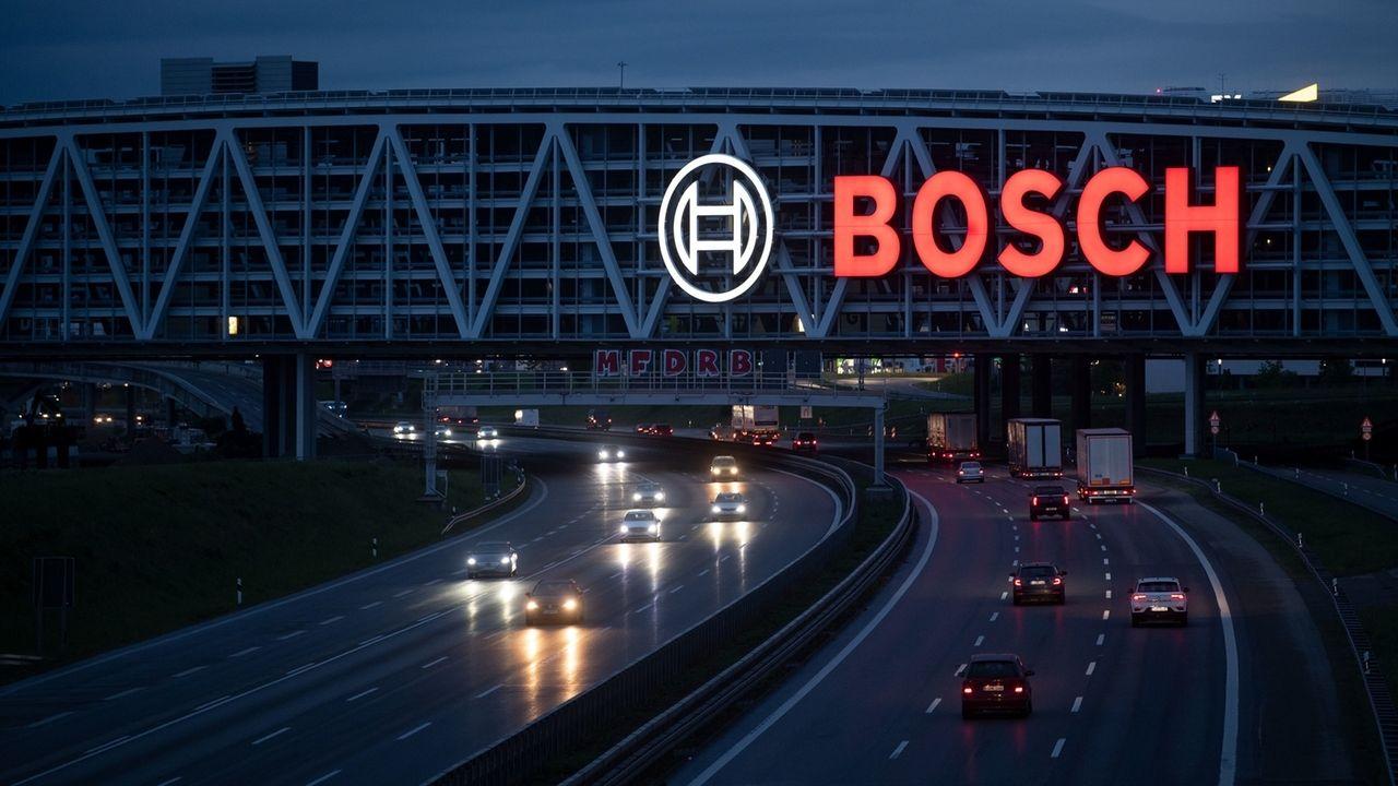 Das Bosch-Logo leuchtet auf einem Parkhaus der Messe Stuttgart