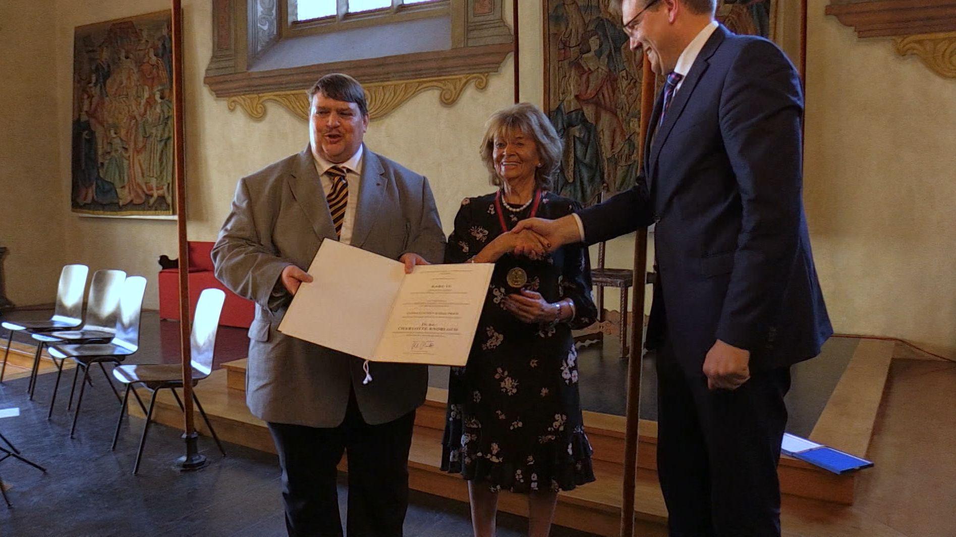 Charlotte Knobloch erhält Karlspreis