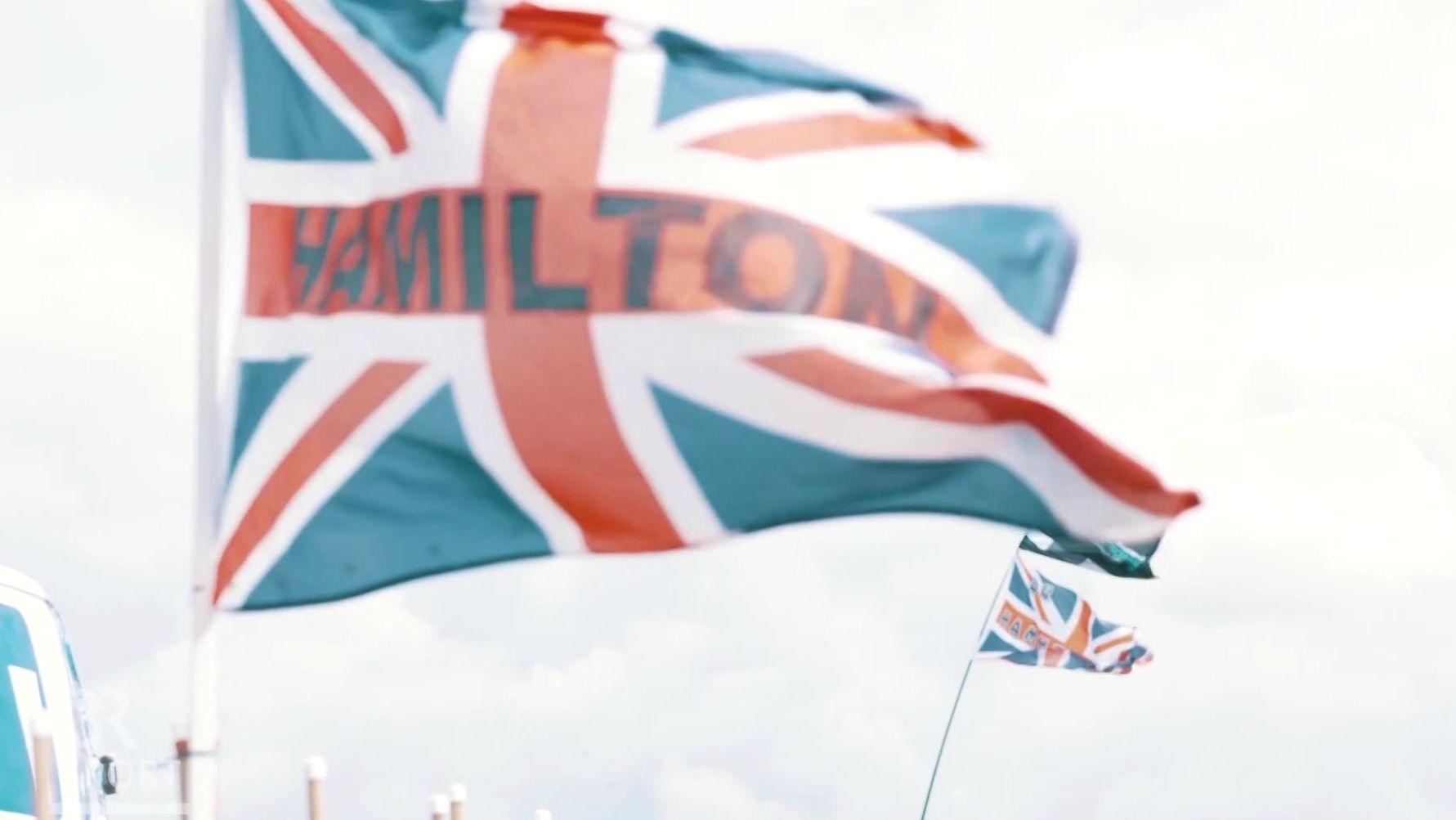 Hamilton-Fahne in Silverstone