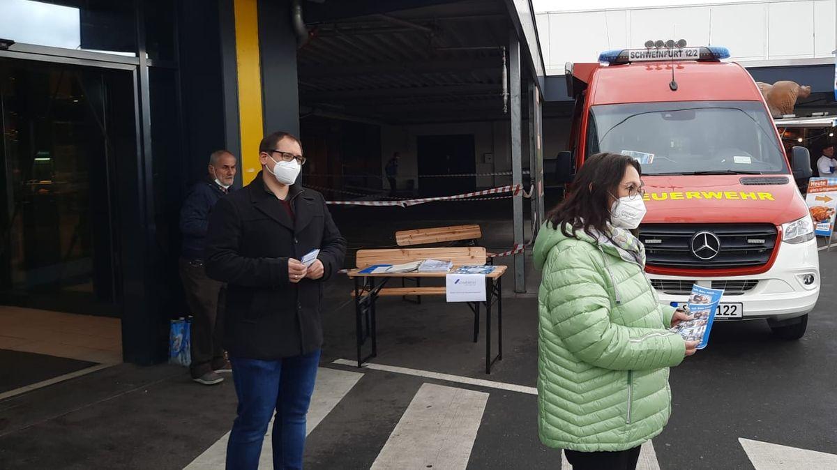 Der Mobile Impf-Registrierungsservice der Stadt Schweinfurt macht Station an unterschiedlichen Orten im Stadtgebiet.