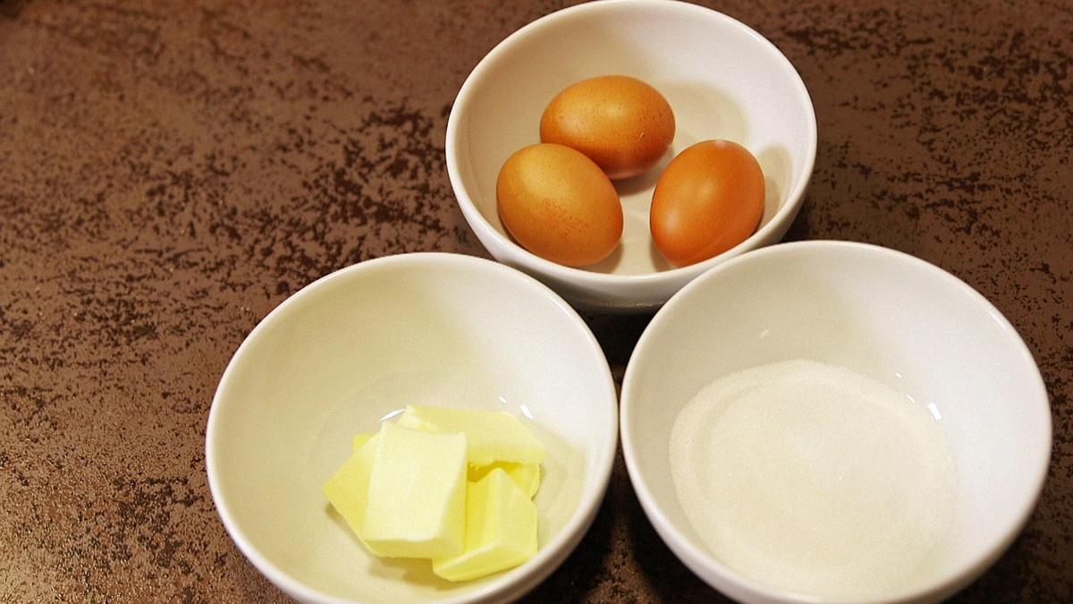 Butter, Eier, Mehl - wann sollte was beim Backen in die Rührschüssel?