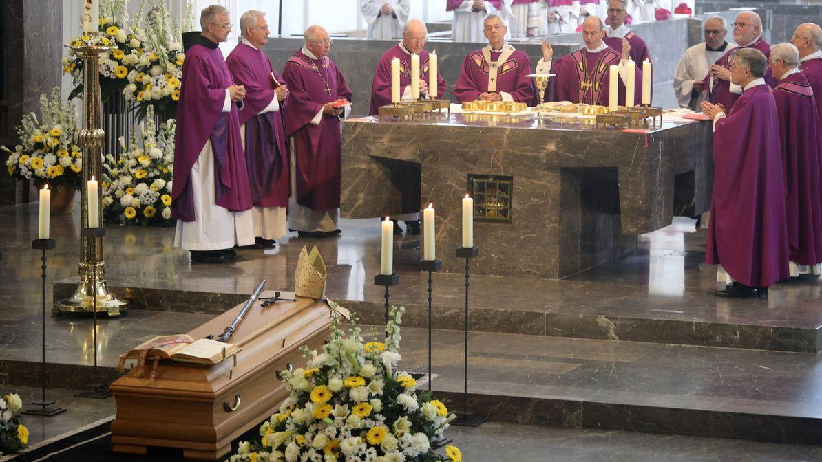 Beisetzung Altbischof Paul-Werner Scheele