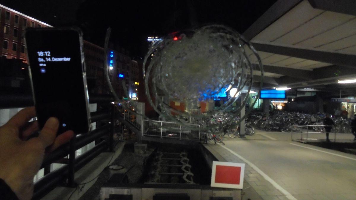 Steinwurf auf die Frontscheibe einer S-Bahn - Blick von innen