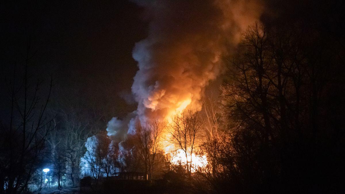 Tödlicher Brand einer Gartenhütte in Laubendorf bei Langenzenn (Lkr. Fürth)