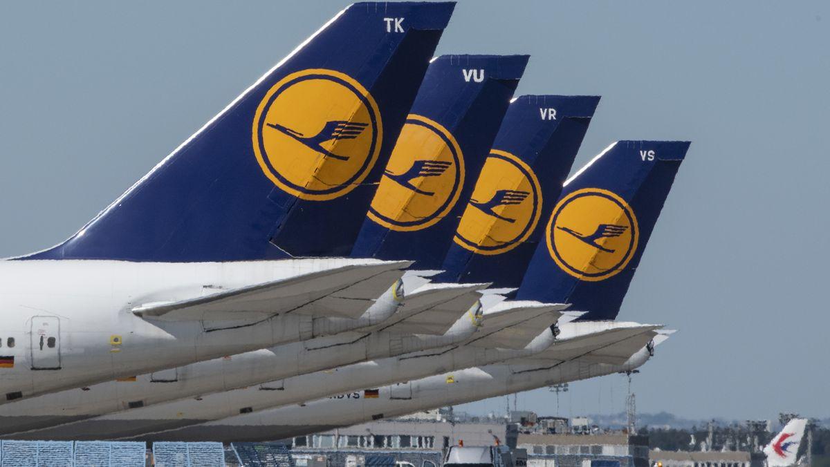 Maschinen der Lufthansa am Boden