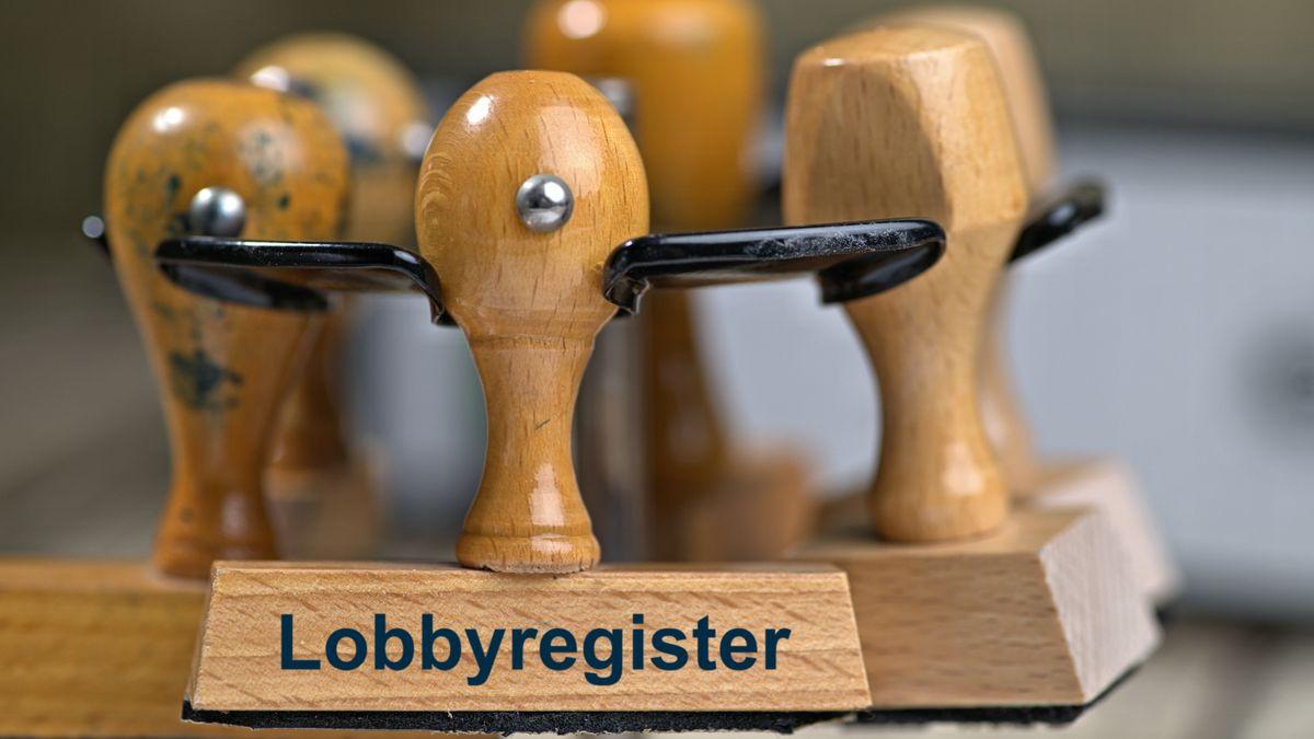 """Ein Stempel, auf dem """"Lobbyregister"""" steht"""
