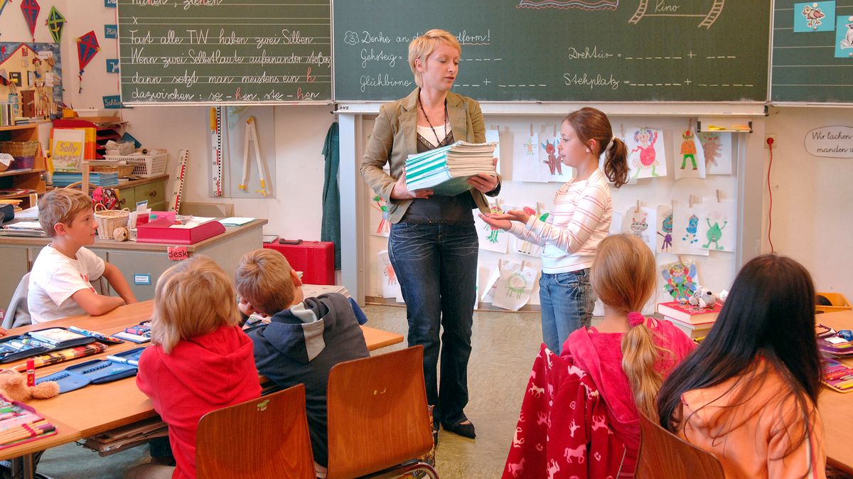 Symbolbild einer Unterrichtsstunde in der Grundschule