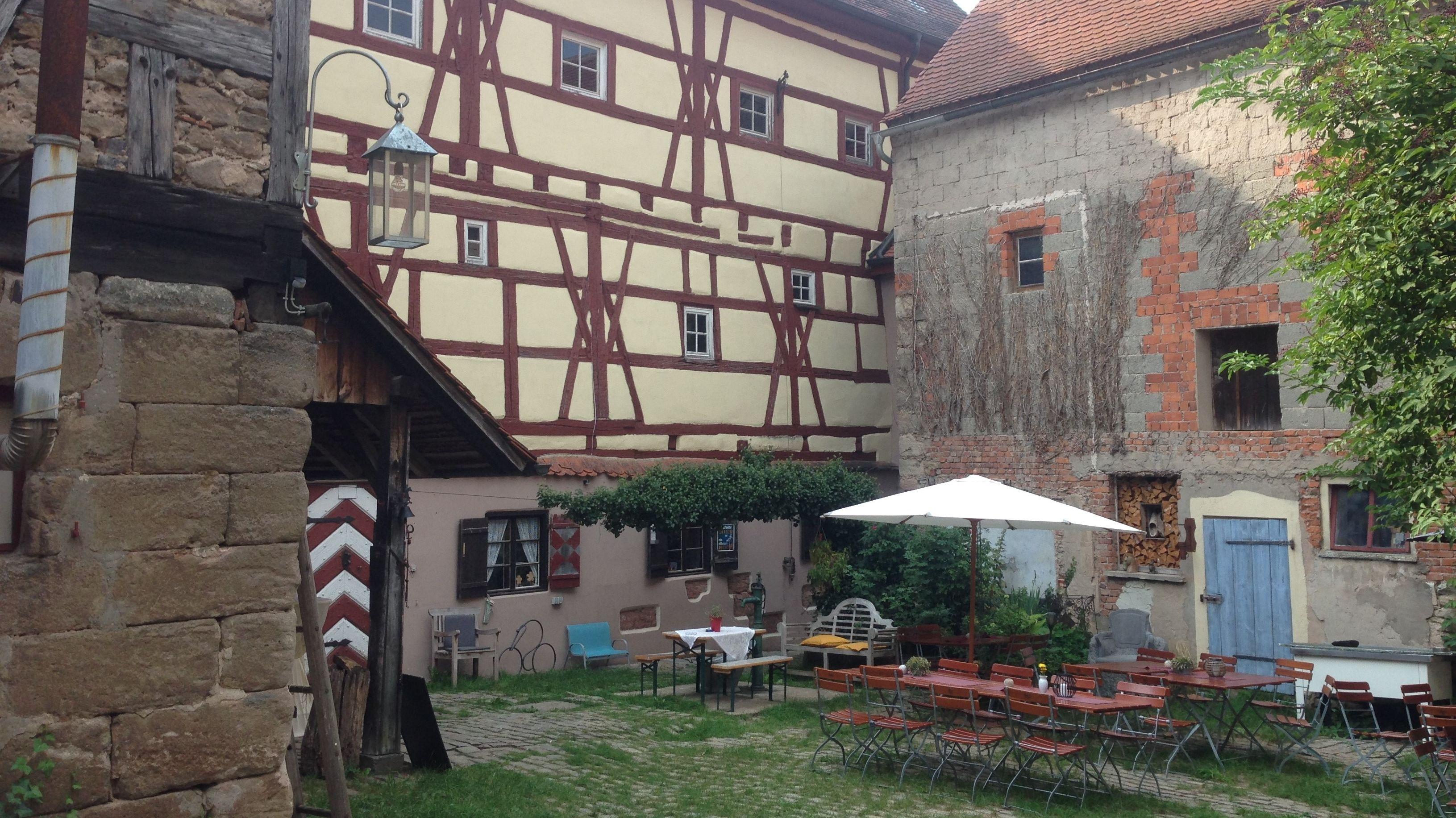 Innenhof von Schloss Eysölden